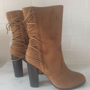 New in box Carmel suede boots size 9